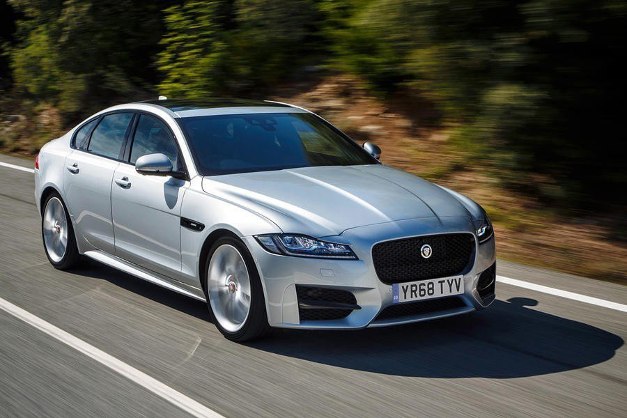 Jaguar XF有著明顯運動的操控特性。 摘自Jaguar