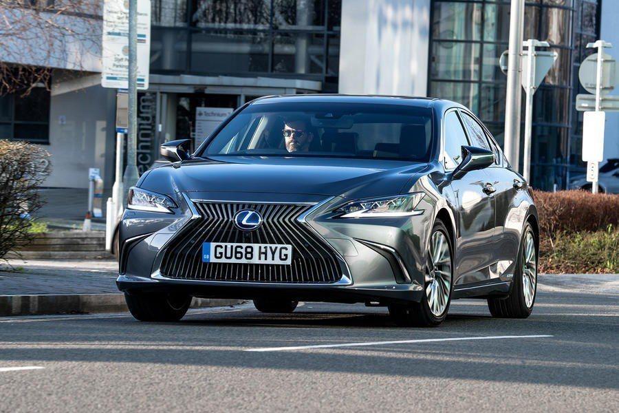 Lexus ES填補了GS所遺留下的市場空缺。 摘自Lexus