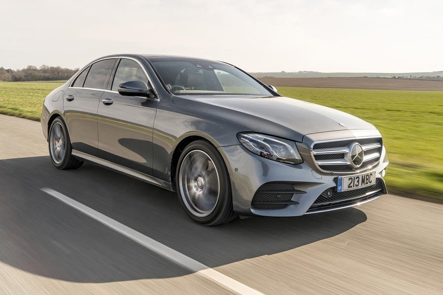 Mercedes-Benz E-Class不用多說,中型房車界的霸主,科技豪華感...