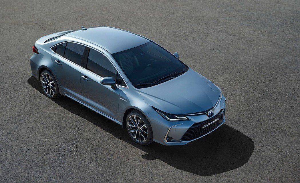 連續18年蟬聯銷售冠軍的COROLLA ALTIS將於3月27日推出大改款,預計將推出油電車型。圖/TOYOTA提供 陳威任