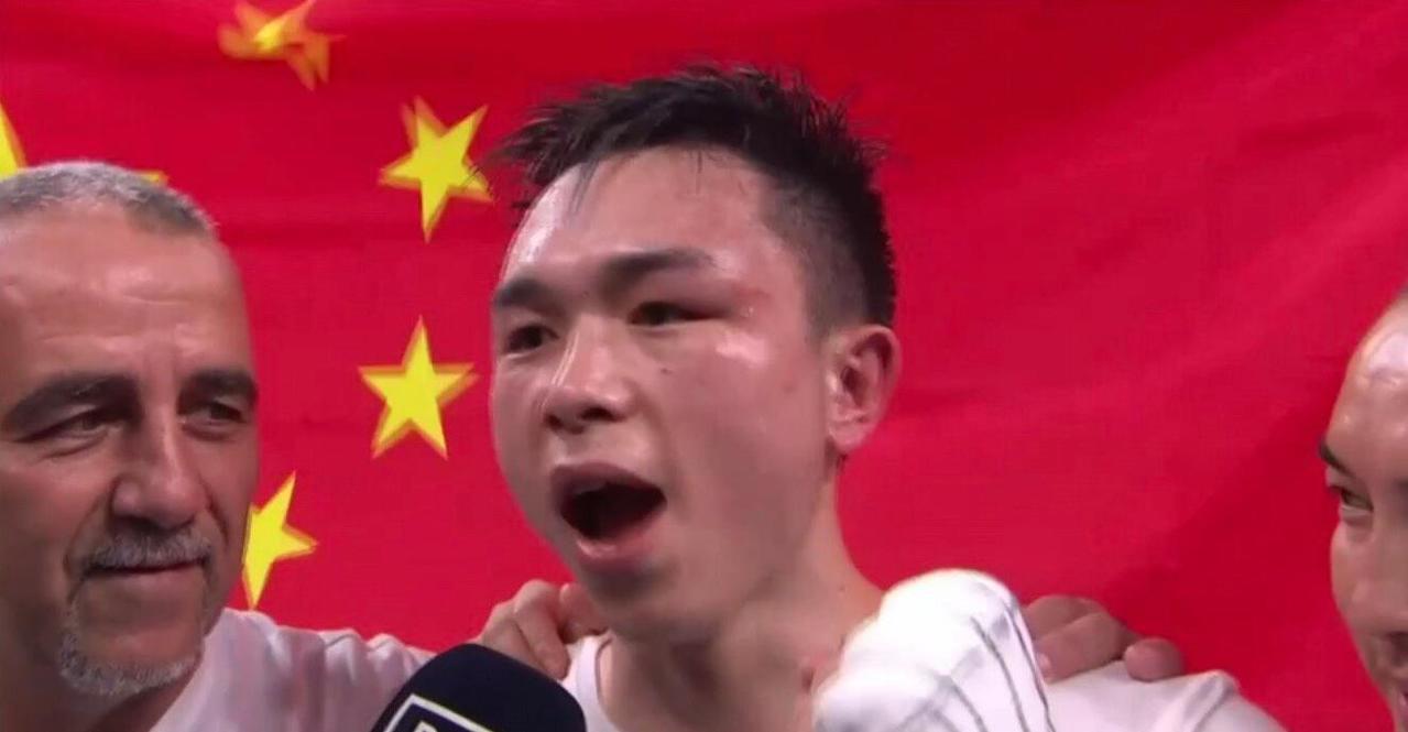 徐燦成為五年來第一位問鼎羽量級世界拳王的亞洲面孔。(新浪體育)