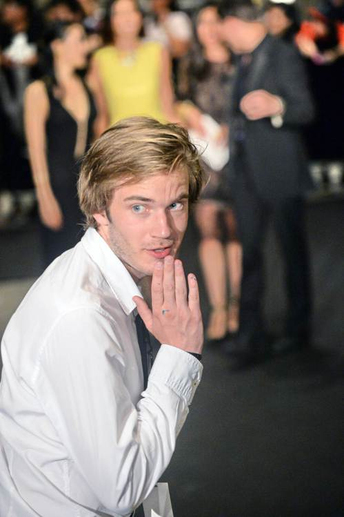 瑞典男子Pewdiepie靠打電動,在YouTube闖出一片天。 (法新社)