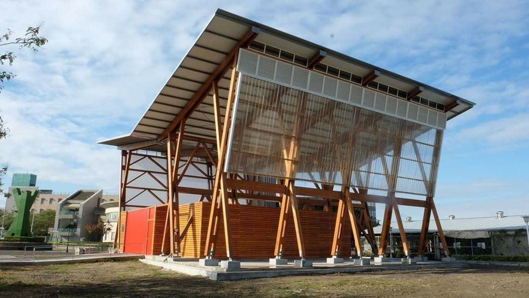 位於國立高雄大學校內的大型木建築示範屋,獲得產官學界對木建築產業及文化的認同,更...