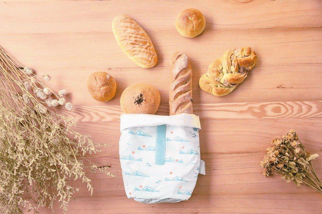 近年環保意識抬頭,掀起「無痕飲食」熱潮,其中備受注目的Pockeat食物袋,由台...