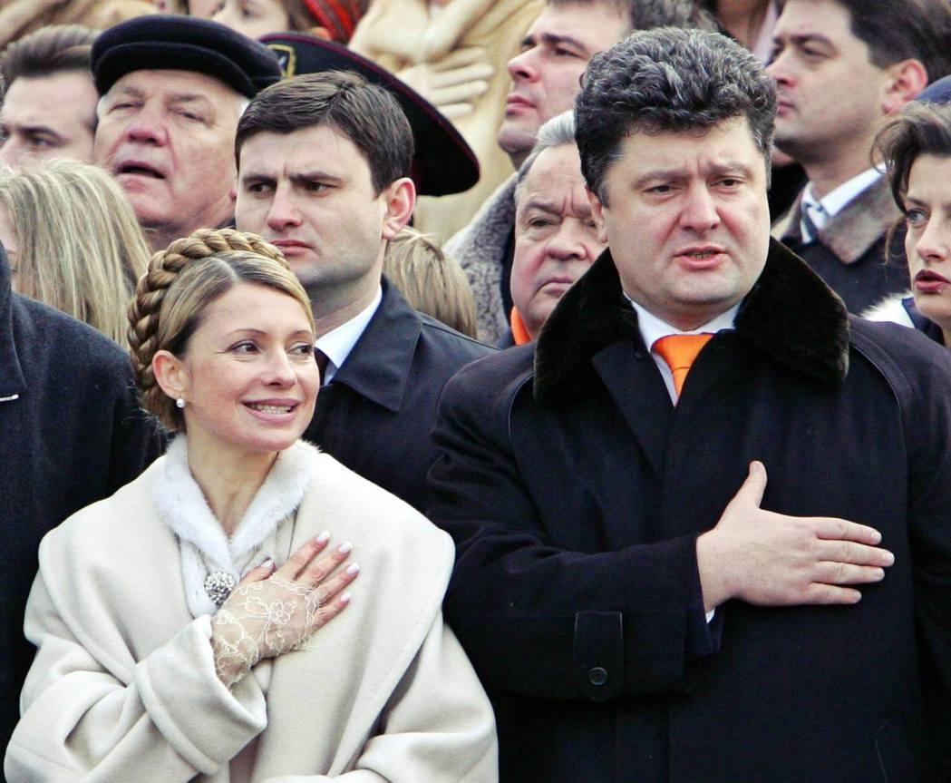 以「政治素人」打入國會的波羅申科,開始政商兩棲的身分。2005年後,波羅申科先後...