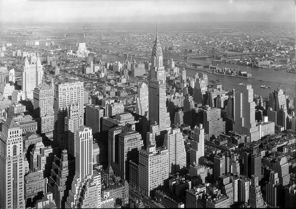 因為該項決議,紐約的高樓在1916年之後多擁有像金字塔一般,逐漸向上內縮的外型。...
