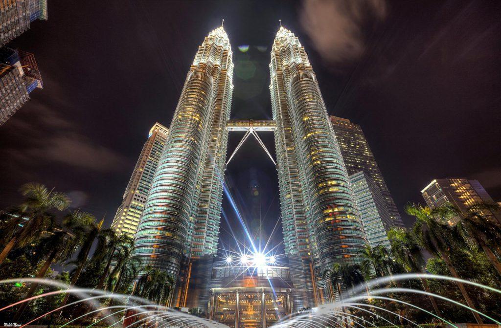 ▲馬來西亞旅遊景點推薦-雙峰塔。(圖/Tripbaa趣吧!亞洲自由行專家)