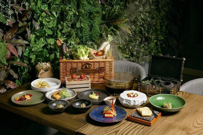 花園套餐2080元/走訪全國、採用日常所見之在地小農食材,在無設限的創意空間下,...