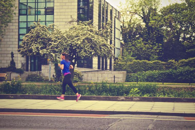跑步,被專家說成最糟的減肥運動。圖/摘自Pelexs