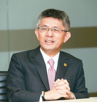 中租控股董事長陳鳳龍 (本報系資料庫)