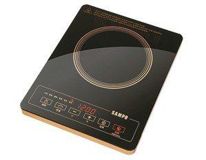 冬季熱賣超薄超靜音電磁爐,是圍爐主打商品。 聲寶╱提供
