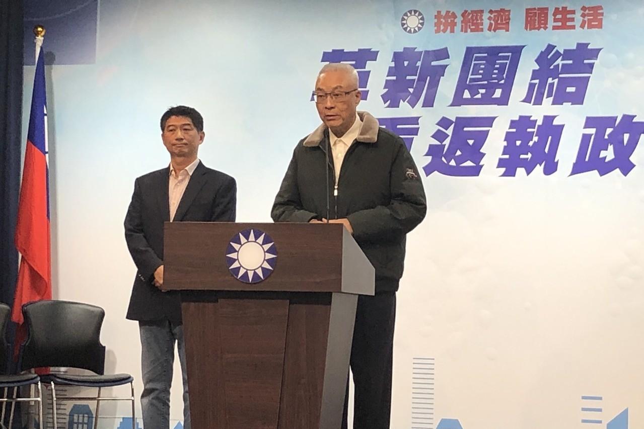 黨主席吳敦義(右)今天席開40桌宴請320位台商。 記者陳靖宜/攝影