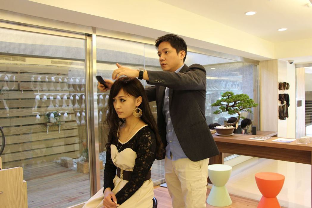 全台18間門市提供假髮選擇、修剪的一站式服務。 C.Y.S. 假髮接髮/提供