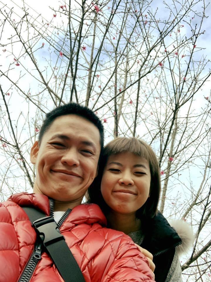 黃鐙輝與老婆萁萁。 圖/擷自黃鐙輝臉書