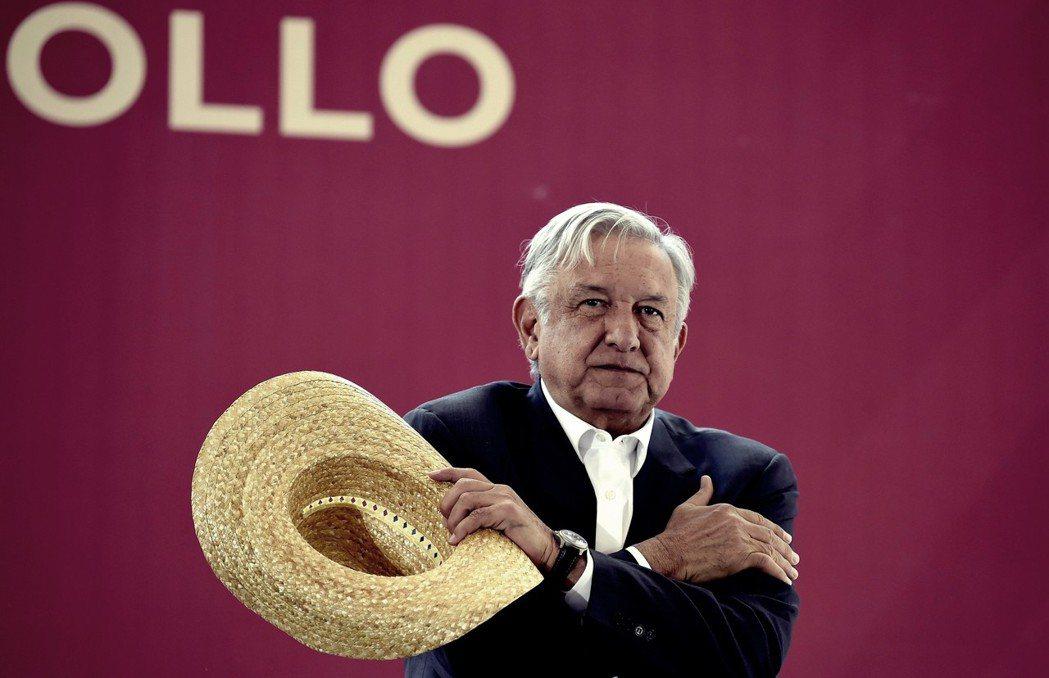 AMLO(圖)認為,盜油犯罪不只竊取了國家收入,更腐化了墨西哥的石化競爭力,再加...