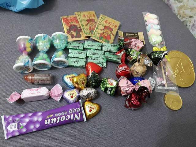 台中年貨大街的「高價糖果」,這份量竟要470元! 圖片來源/●【爆廢公社】●