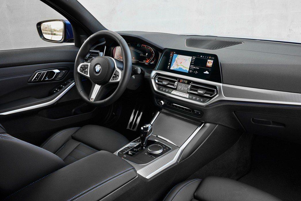 進入G市代車型後的3 Series,其內裝設計看來相當清爽乾淨。 摘自BMW