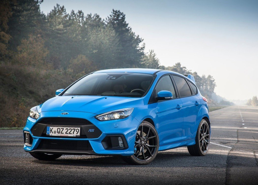 Ford Focus RS 搭載 2.3升EcoBoost 汽油渦輪引擎,350...
