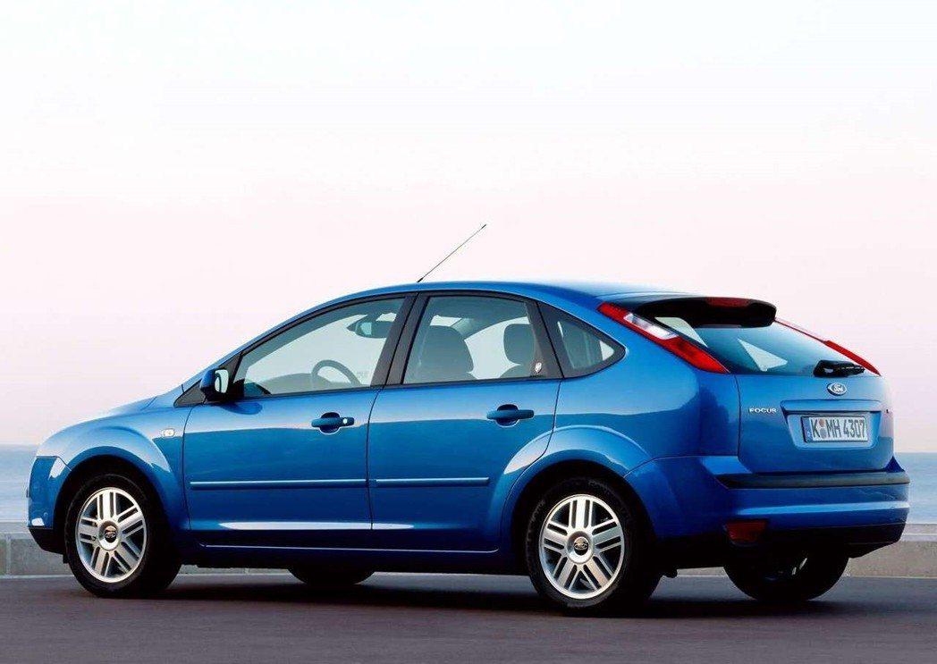 第二代Focus小改款新增了2.0升TDCi柴油引擎搭配雙離合器6速自手排變速箱...