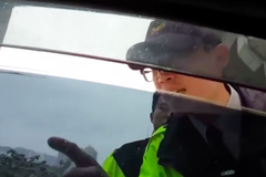 刁民嗆警拒盤查還說警察道歉 保安警察大隊打臉他