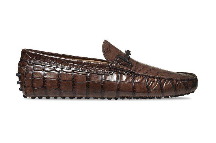 鱷魚壓紋牛皮男士豆豆鞋,售價22,200元。圖/TODS提供