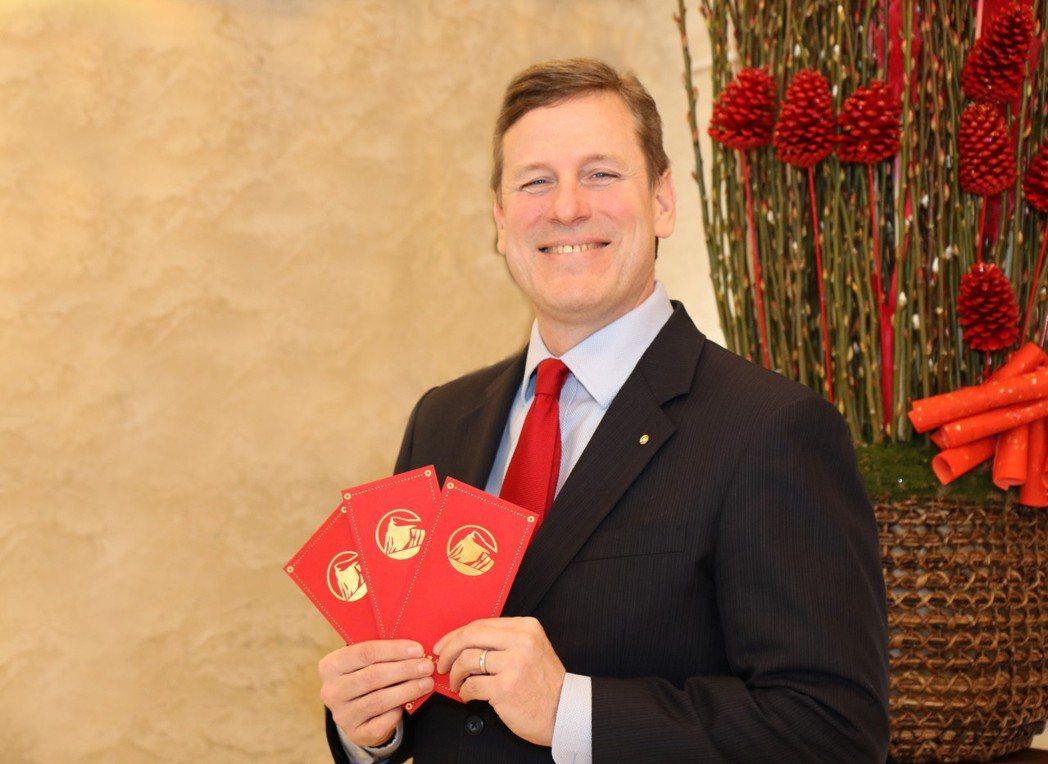 保德信人壽總經理泰迪倫號召台灣全體企業主和團體協會,將財務健全課程納入員工福利中...