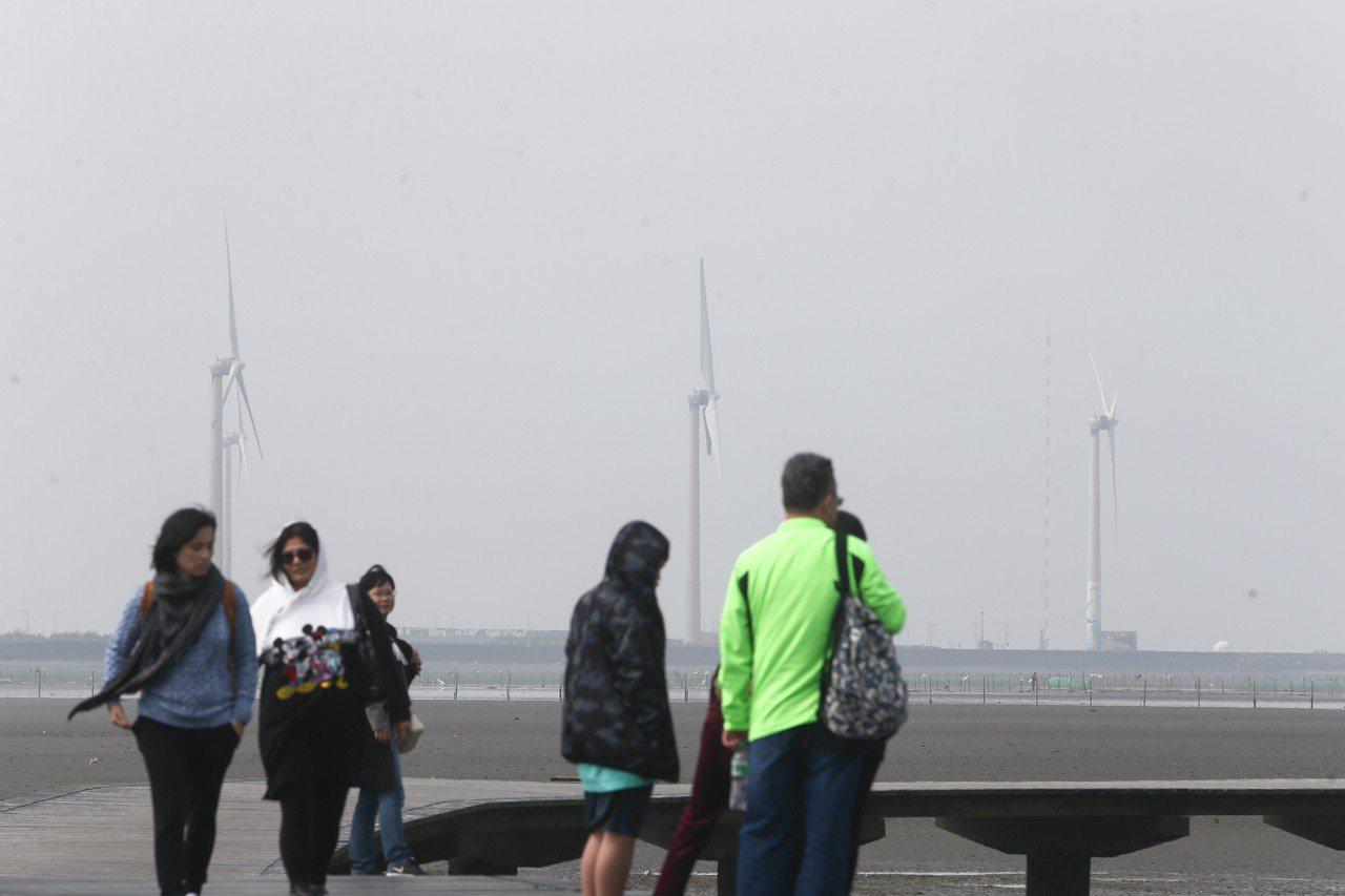 經濟部公布,離岸風電躉購費率由原先預告的每度5.1元調升至5.5160元。 聯合...