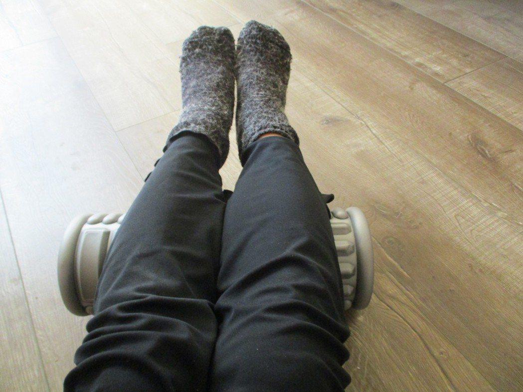 為了促進血液循環,通常沐浴後或睡覺前,我會用38~40度水泡腳,同時養成每天作抬...