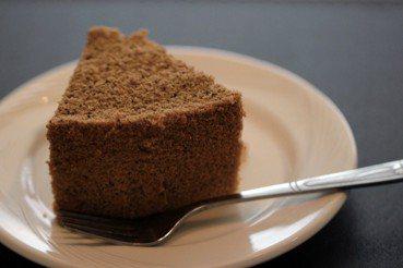 恆志的店:以戚風蛋糕,拼湊完整的災後人生