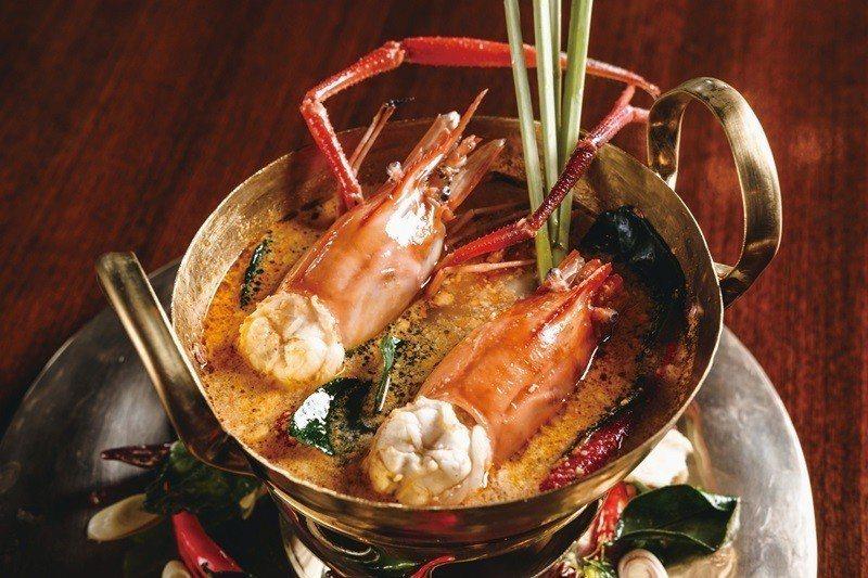 泰式酸辣蝦湯。
