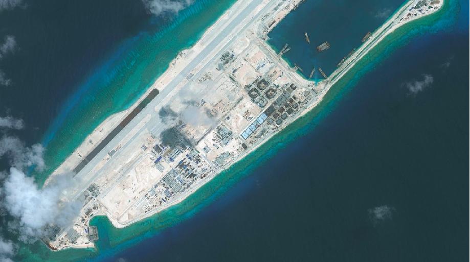 中共在永暑礁設立海上救助中心。(香港01)