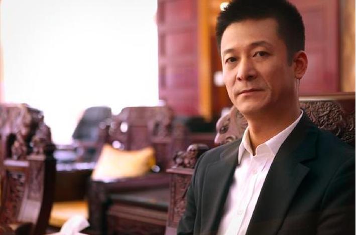 權健董事長束昱輝等16名疑犯被天津檢察機關批准逮捕。(微博片)