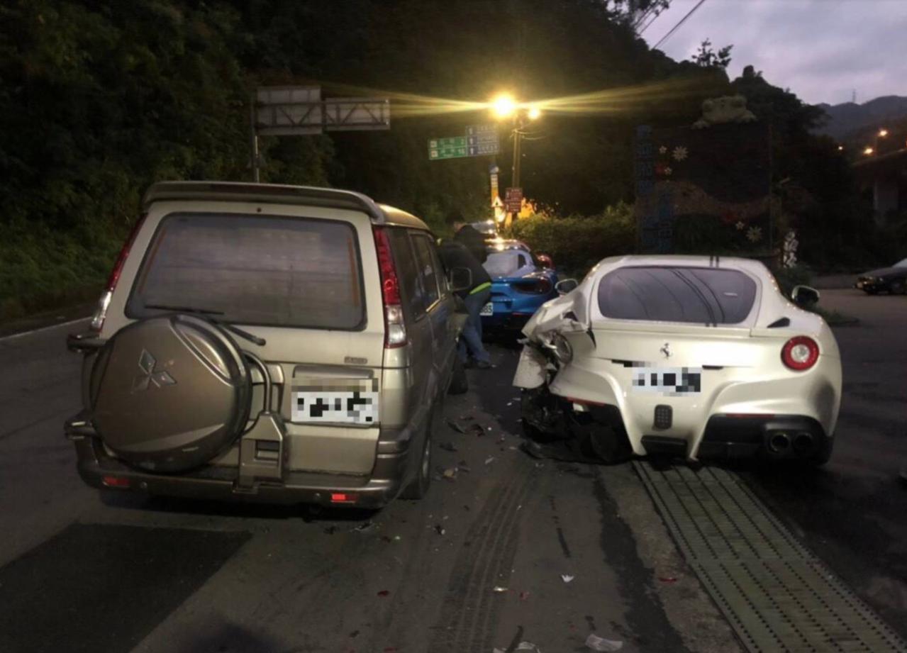 新北石碇區山路去年12月中旬發生單親的20歲林男撞上法拉利的車禍案,新北社會局陸...