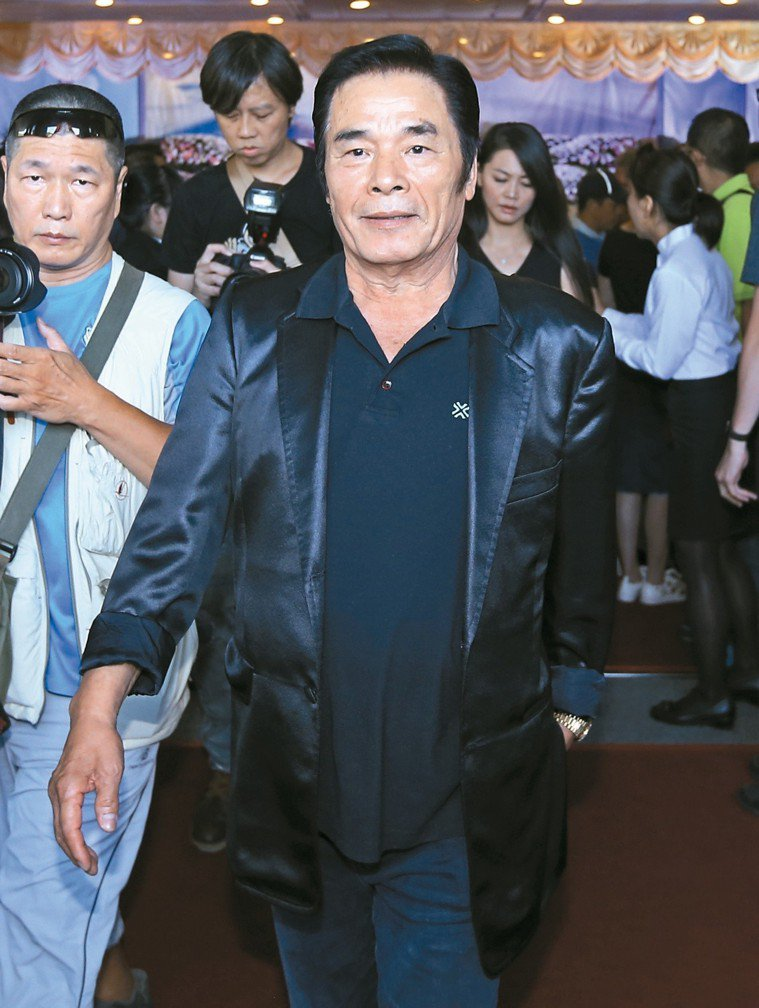 70歲的資深藝人雷洪,自爆日前壓力過大,造成突發性耳鳴,差一點變成耳中風。...