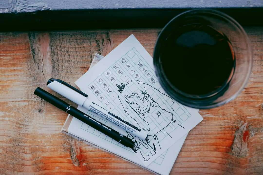 咖啡與畫畫是店主小佑的興趣。圖/黑山咖啡提供