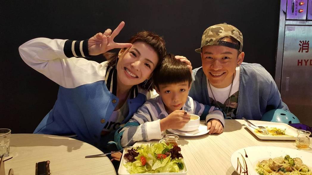 徐小可(左)和阿Ben帶兒子出席Global Mall「探險樂園Kids Par...