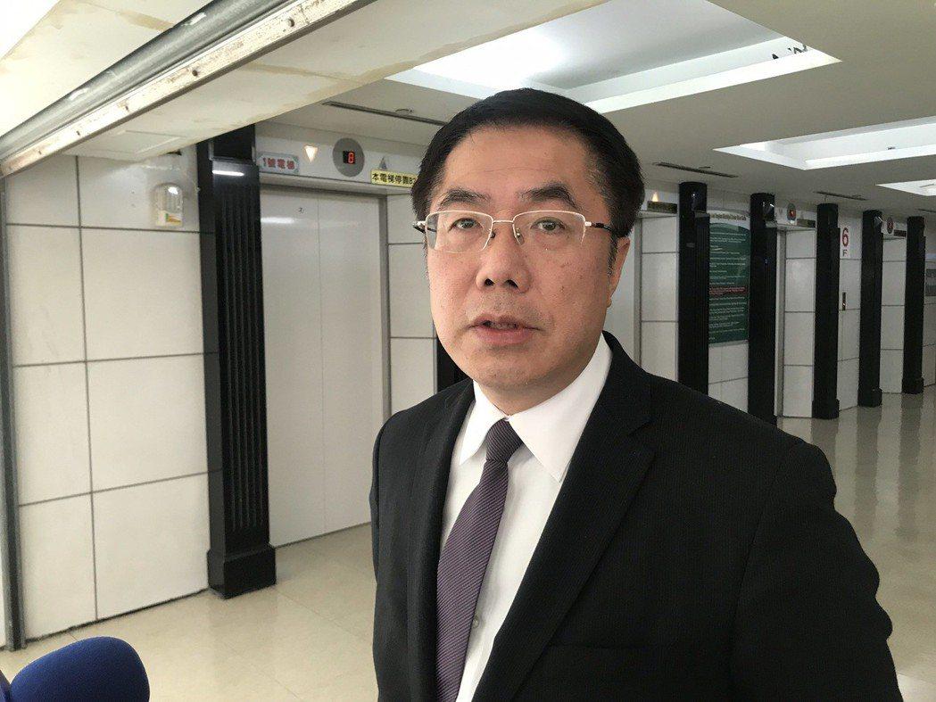 台南市長黃偉哲網路好感度獲得六都第二,他表示自己面對問題都正面回應,也主動面對爭...