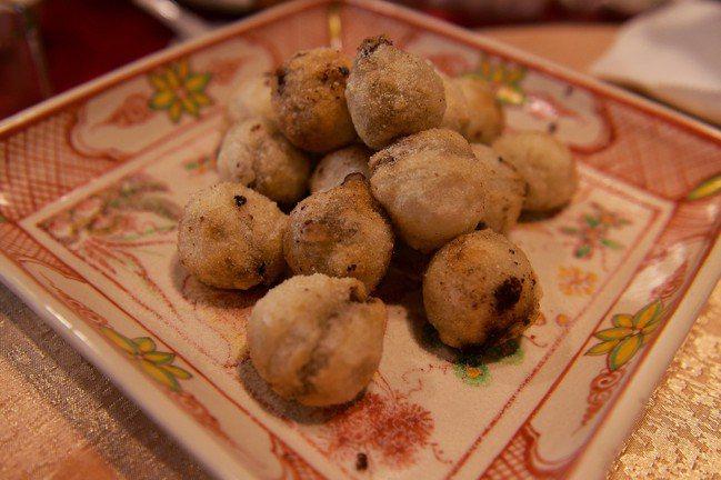 金銀圓棗是典型台菜甜點。圖/鄔智明提供