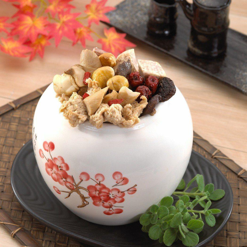 一品佛跳牆,有機蔬菜熬製湯頭,吃得出用心烹煮的美味。 百喬食品/提供