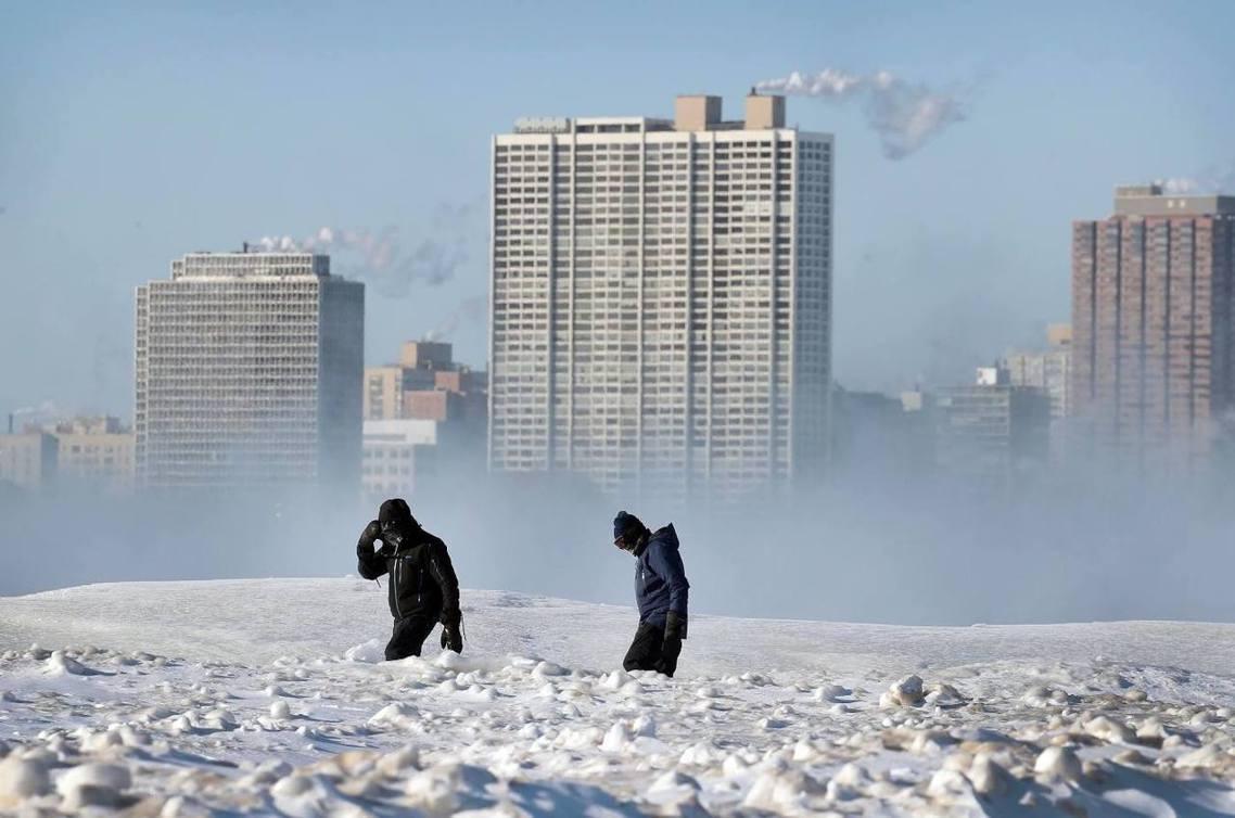 芝加哥,預計在周四入夜、寒流高峰階段,就有機會突破1985年1月「-33℃」的歷...