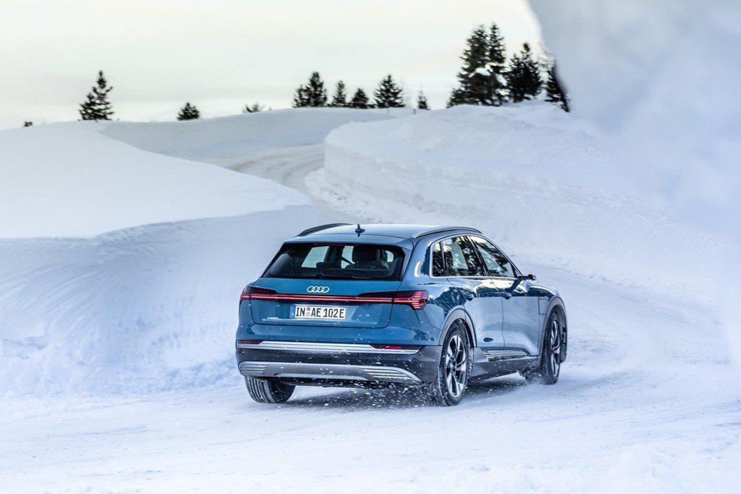 Audi e-tron最大續航距離至少可達400km。 摘自Audi