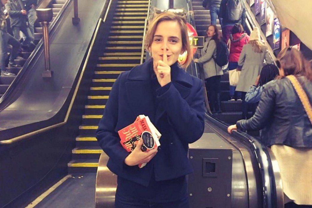 書店與出版的精神不死?圖為2016年艾瑪.華森(Emma Watson)響應「我...