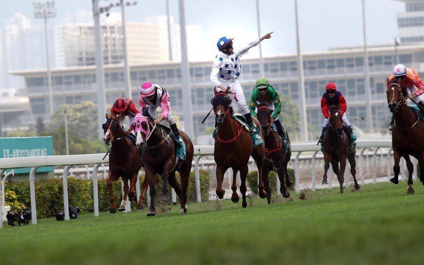 香港馬會每年賽季中9月初至翌年7月中,且幾乎是一周雙賽,已難再大量增加比賽日,令...
