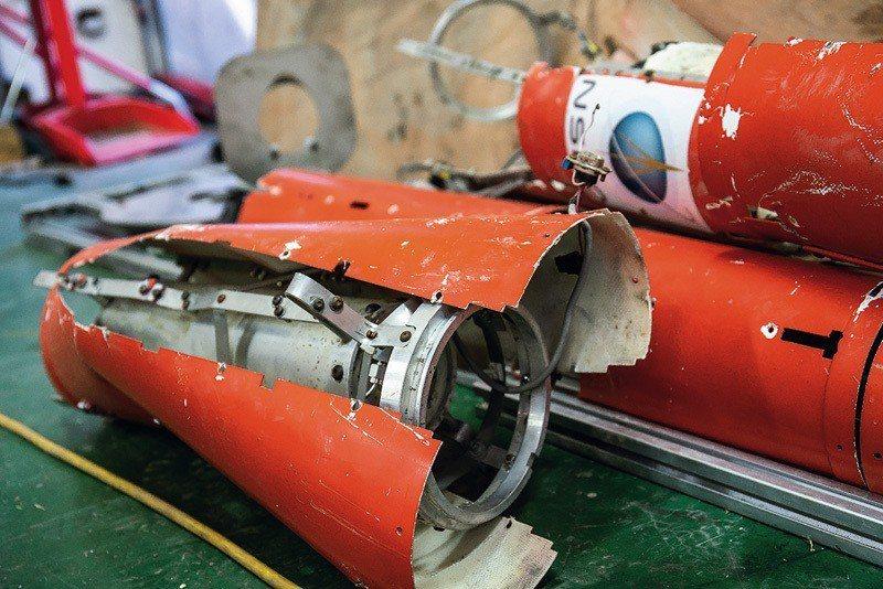 回收發射失敗的火箭殘骸,要從中學到經驗,做為下一次發射的養分。 (林旻萱攝)