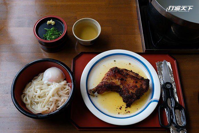 在中野烏龍麵學校製作完之後再到餐廳細細品嚐美味的烏龍麵。