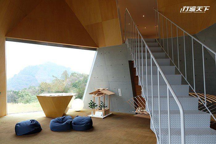 今治市伊東豊雄館建築博物館內展示著大師的生活經歷、建築作品、設計案例。