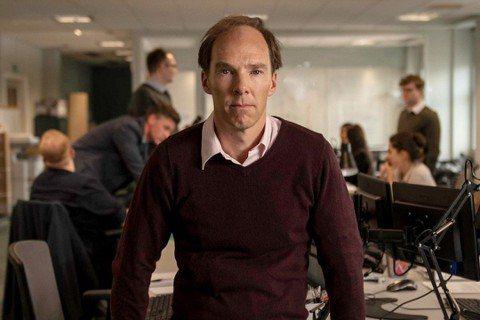 男星「奇異博士」班奈迪克康柏拜區在新劇「脫歐之戰」,為了演活英國脫歐公投運動領導人,不惜犧牲髮際線絕頂演出,他逗趣說:「我認為禿頭是聰明的象徵,更是現代的性感指標。」其實演出一個如此充滿爭議性的角色...