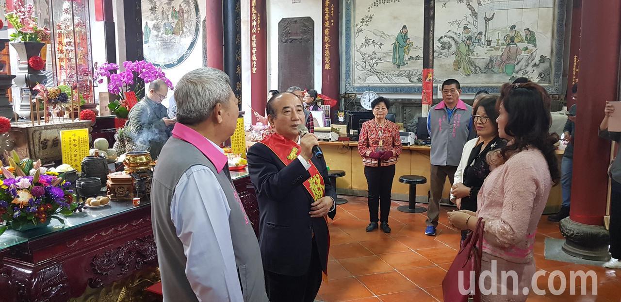 立法院前院長王金平上午到台南大天后宮參香。記者修瑞瑩/攝影