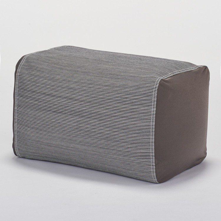 懶骨頭靠枕組,售價1,980元。圖/無印良品提供