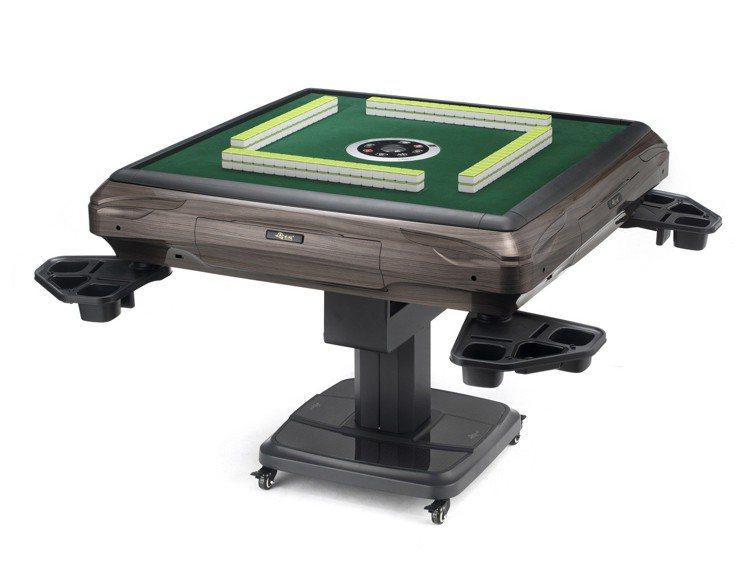 東方不敗笑傲江湖折疊電動麻將桌。圖/momo購物網提供
